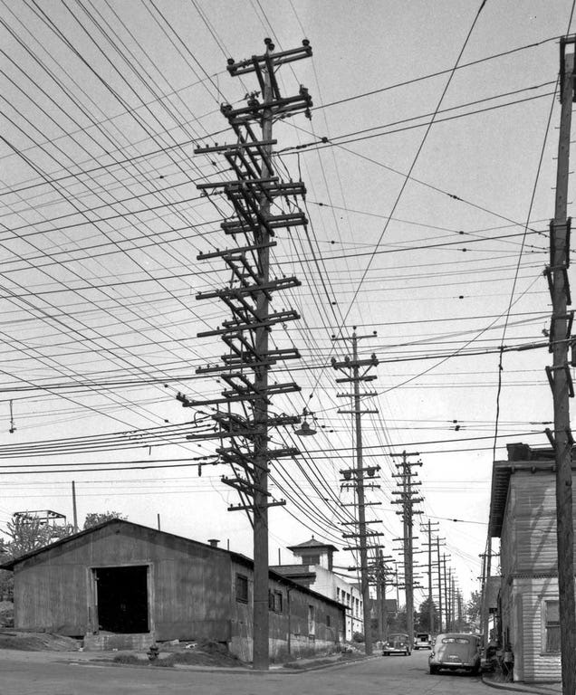 Photos from the Days When Thousands of Cables Crowded the Skies