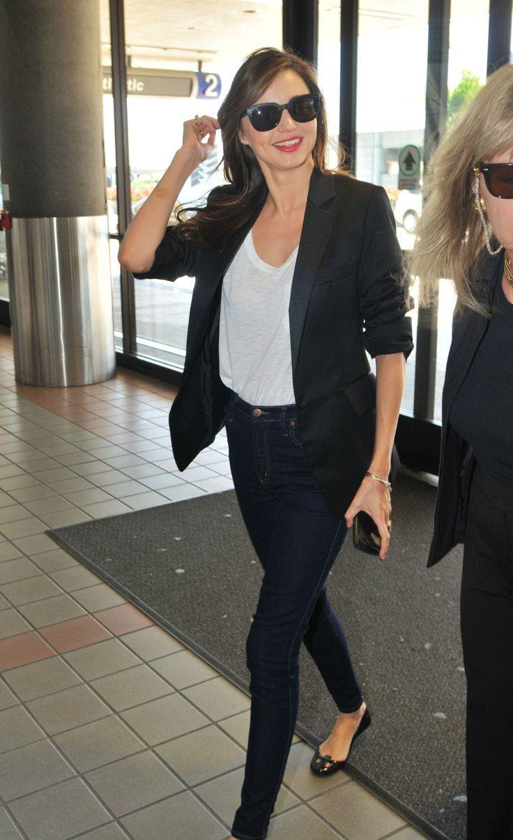 Miranda Kerr Street Style Outfits Blue Print Pants And White