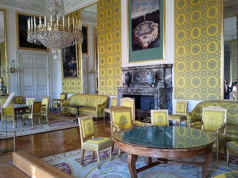 File:Grand Trianon Salon de famille de Louis Philippe.10.jpg
