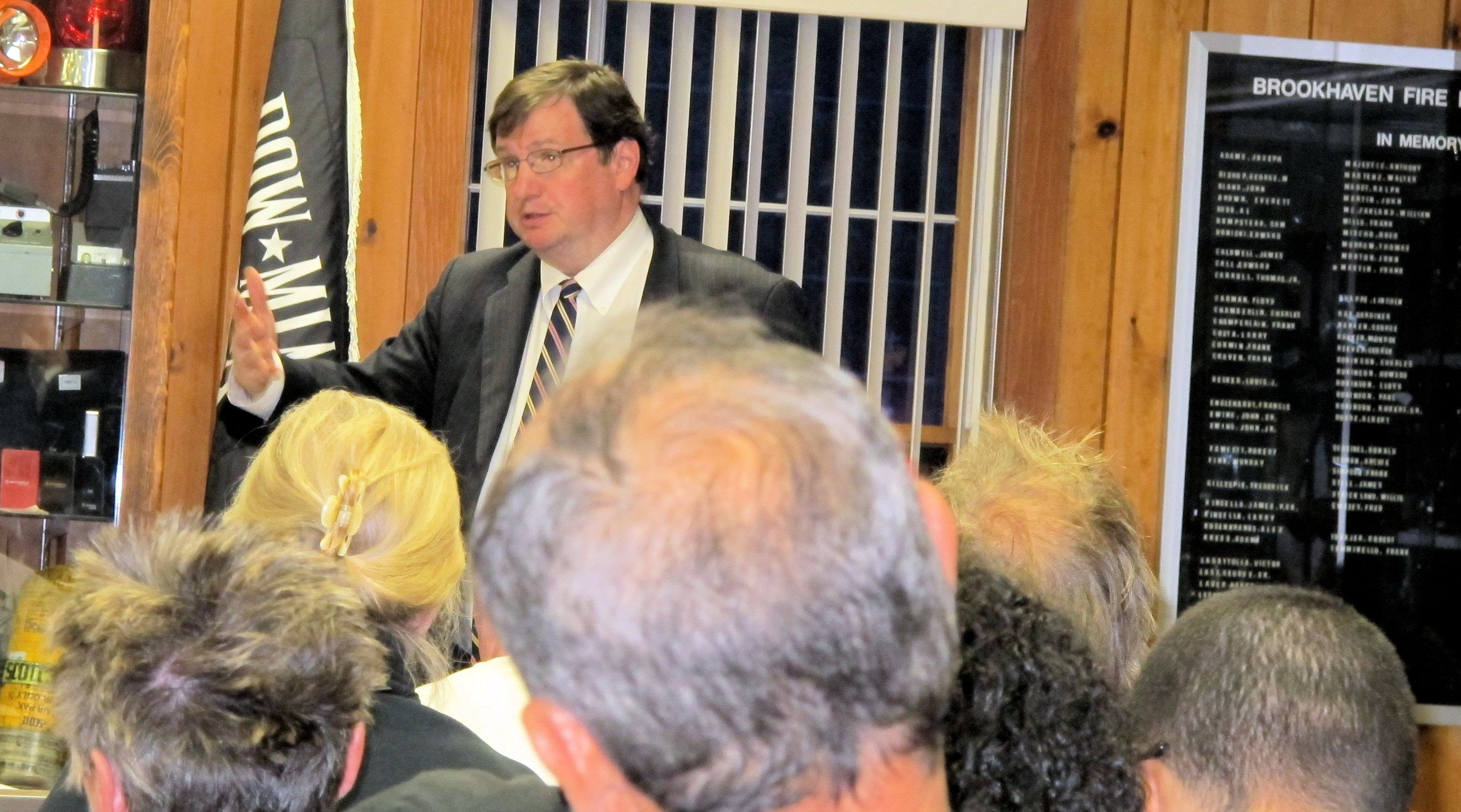 Community members addres the Town Board