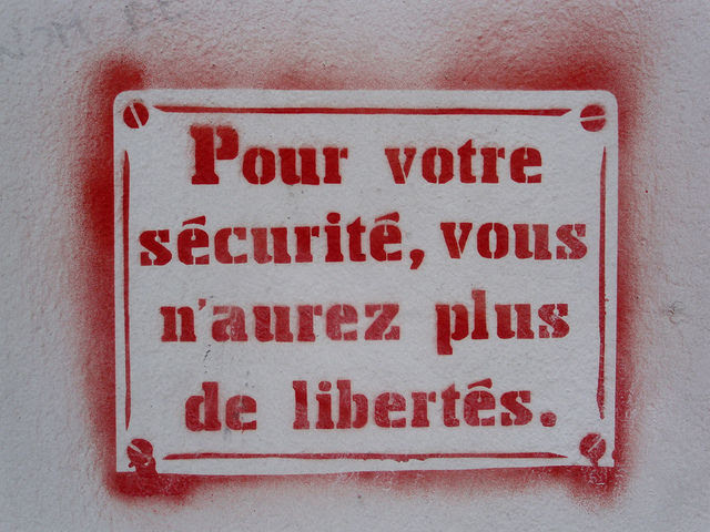 http://fr.sott.net/image/s14/283114/full/pour_votre_securite.jpg