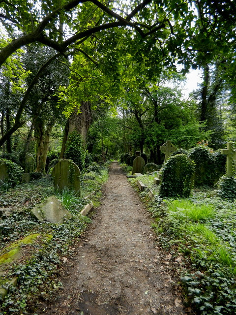 Highgate Cemetery_15