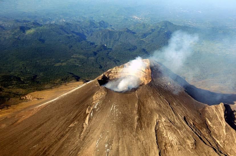 El volcán Popocatépetl activa la alerta
