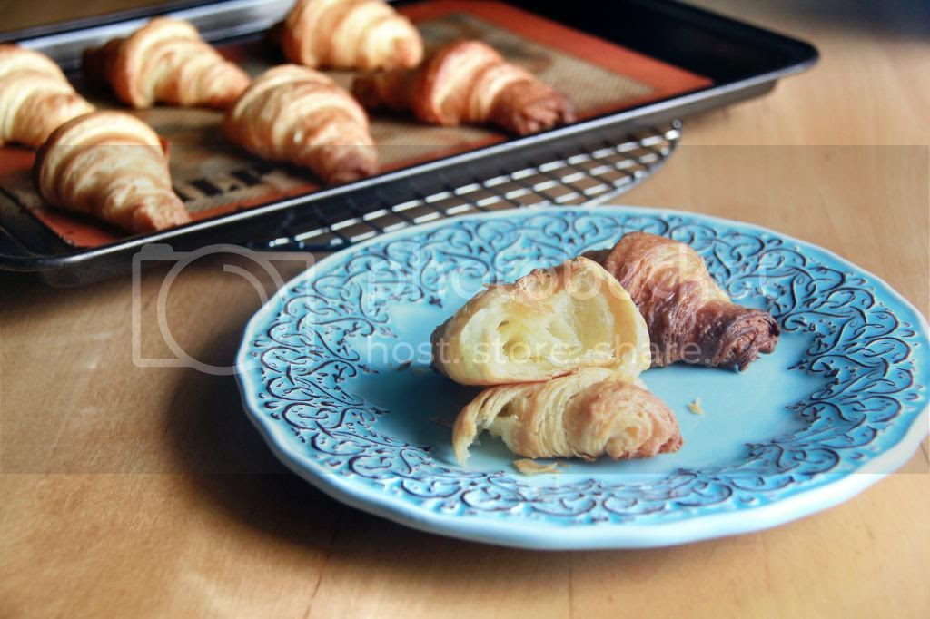 pastries / breakfast - classic french croissants