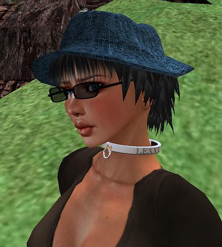 Hunt prizes Heat Wave Hunt #03 LollipopZ Voyage Black with glasses