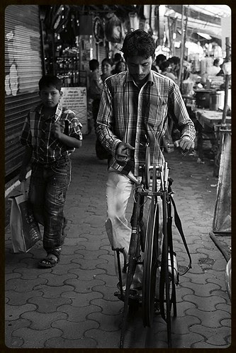 zara mulk ke rahbaro ko bulaao ye kuche ye galiya ye manzar dikhaao by firoze shakir photographerno1
