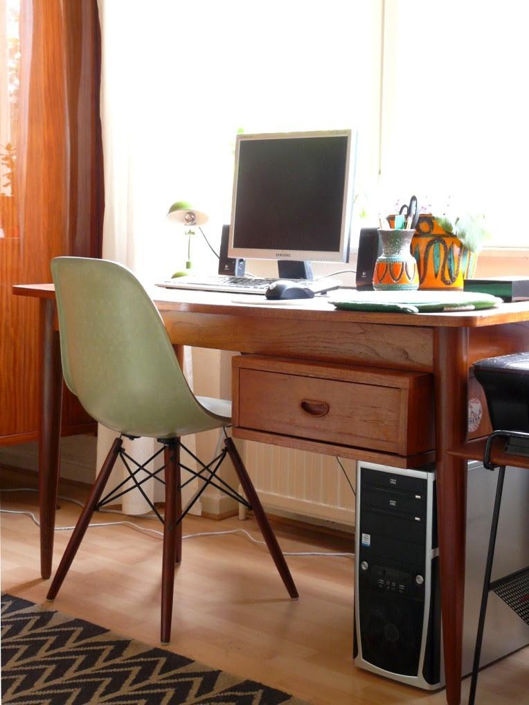 Desk chair quest