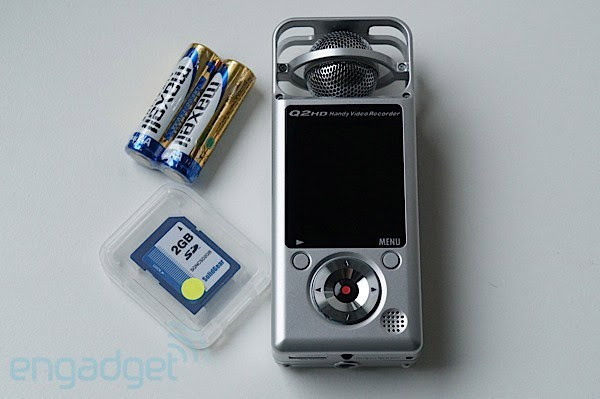Zoom Q2 HD Handy Video Recorder lets you stream and record on the move, we go handson