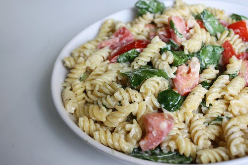 Creamy Lemon Pasta with Spinach and Tomatoes