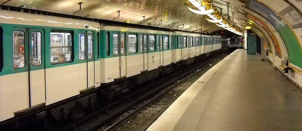 Resultado de imagen de foto del metro de paris