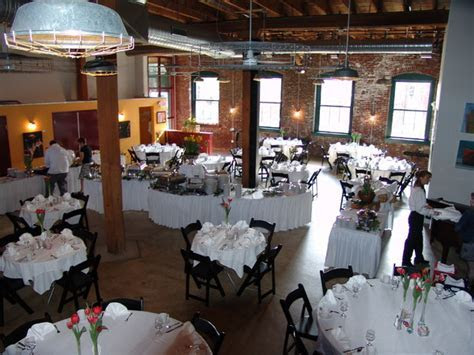 Sqwires Restaurant & Annex   St. Louis, MO Wedding Venue