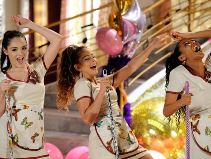 """Globo anuncia reprise de """"Cheias de Charme"""" e internautas vão à loucura"""