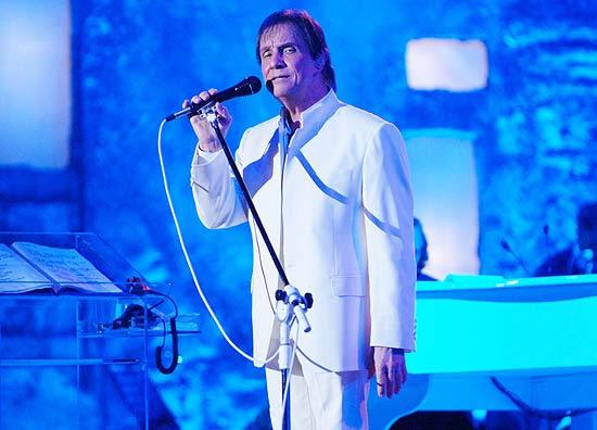 Roberto Carlos durante show gravado em Jerusalém