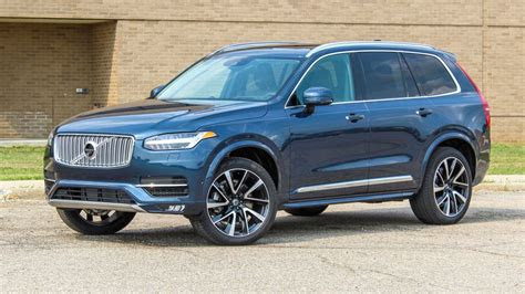 volvo xc packs equal parts style  technology