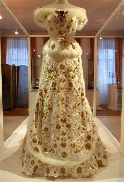 An Die Zukunftsseelen, A replica of Empress Sisi?s Diamond