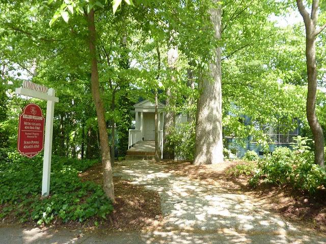 P1090989-2011-04-21-North-Decatur-POMO-Temple-Greek-Front