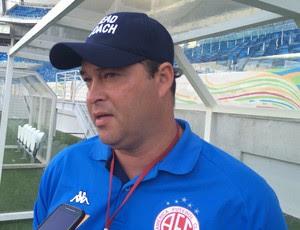 Roberto Fernandes - técnico do América-RN (Foto: Carlos Cruz/GloboEsporte.com)