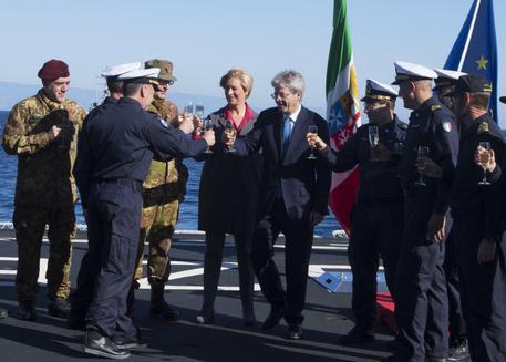Il nobiluccio Gentiloni informa che intende mandare truppe italiane in Niger con il pretesto di contrastare la minaccia terrorista e gestire i flussi migratori verso l'Europa (Italia) In realtà i […]