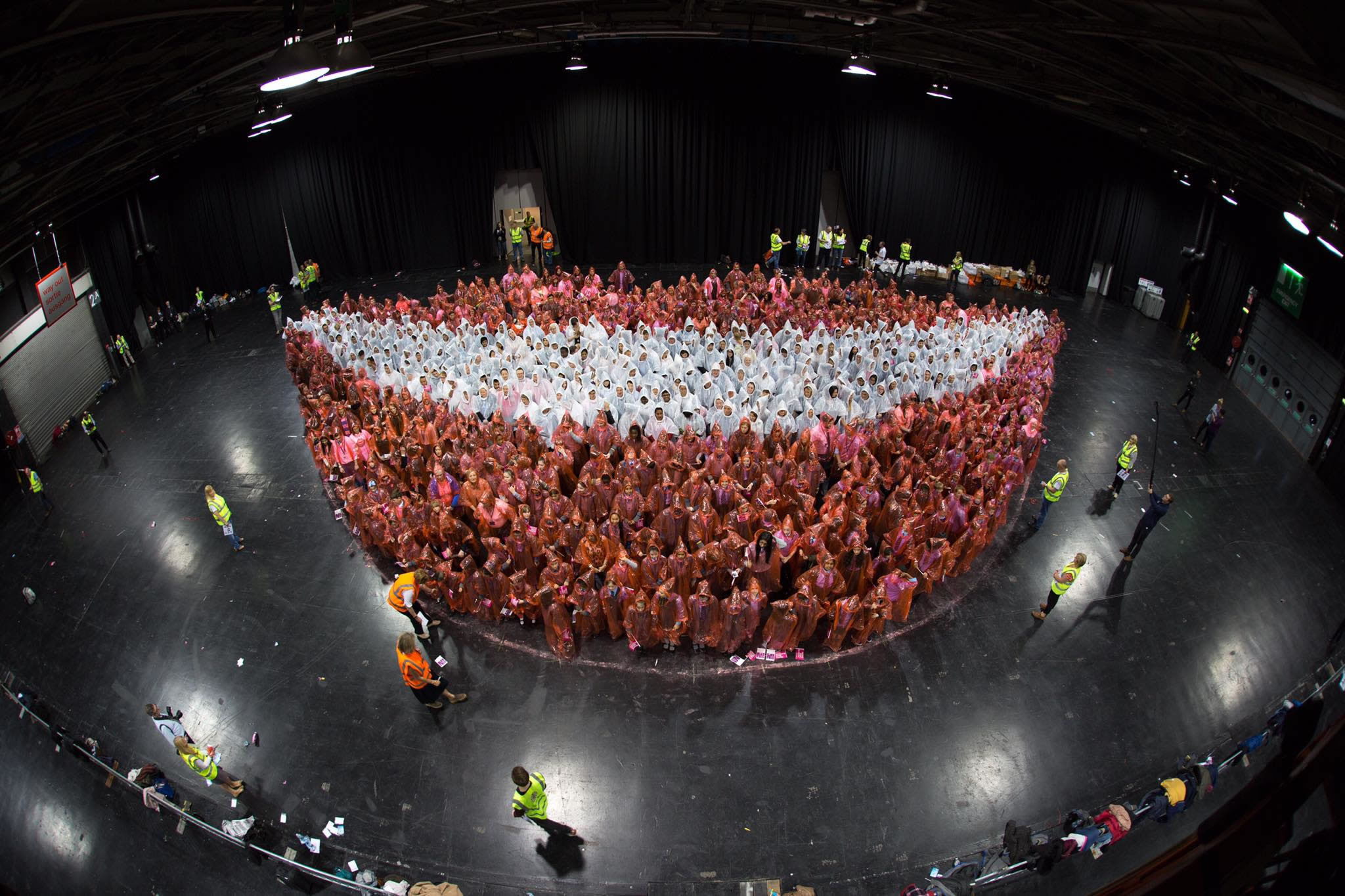 Largest Human Smile World Record Set By The Glasgow Dental School