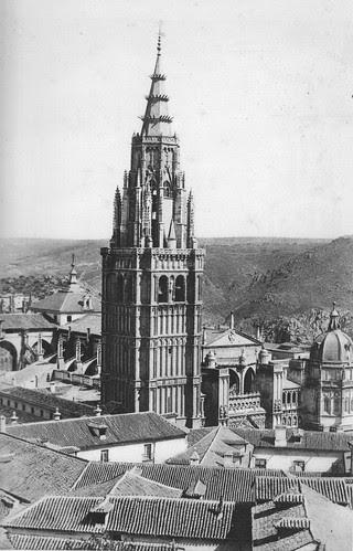 Cimborrio de la Catedral de Toledo y torre de la Catedral antes de 1910. Foto Rodríguez