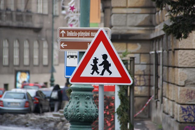 Children?s Travel to School and their Body Weight; Results of a Survey in Seven European Countries: Technical Report