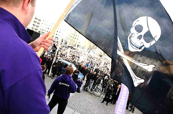 De acordo com a polícia, cerca de 500 pessoas participaram de manifestação em Estocolmo