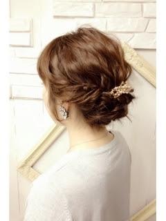 ヘアアレンジ アップ ミディアム - 結婚式にお呼ばれした時の髪型・ヘアアレンジ集【ロング