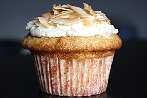 White Chocolate Macadamia Cupcakes - IMG_4088