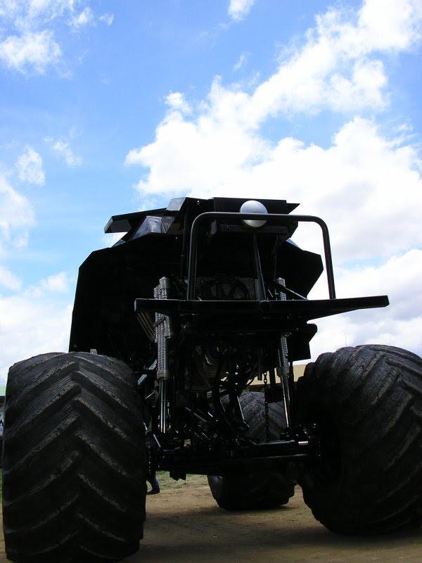 Bat monster truck 3