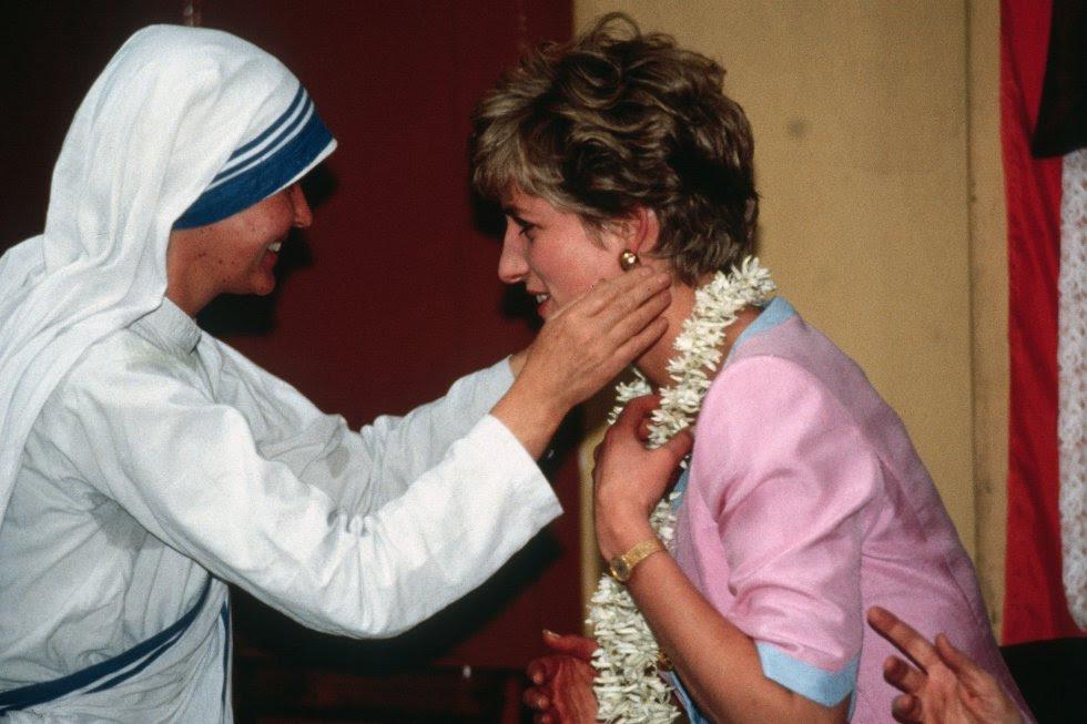 Diana visitó Calcuta y quedó atrapada por lo que vio. De allí nació una gran relación con la madre Teresa.