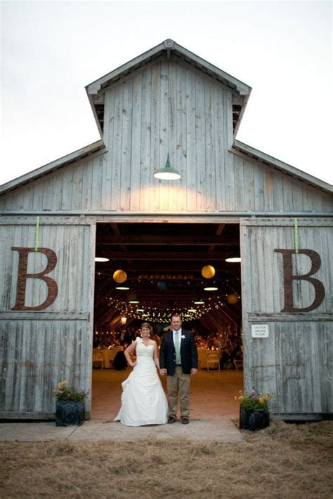 Best 25  Barn door wedding ideas on Pinterest