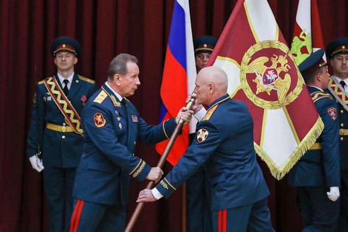 Золотов в Пятигорске вручил личный штандарт командующему Росгвардии в