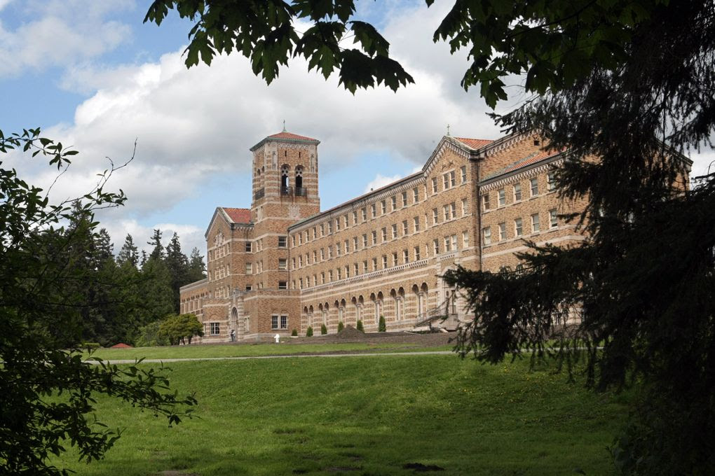 St. Edward's Seminary in Kenmore was one of the sites where offenders were assigned, according to the Archdiocese of Seattle. (Jim Bates / The Seattle Times, 2009)