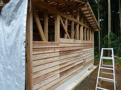杉板の壁張り
