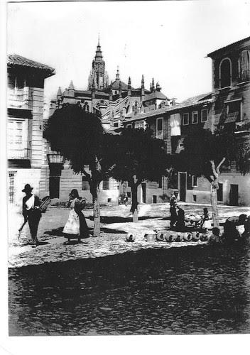 Plaza de San Justo (Toledo) a principios de siglo, antes de 1914. Foto Rodríguez