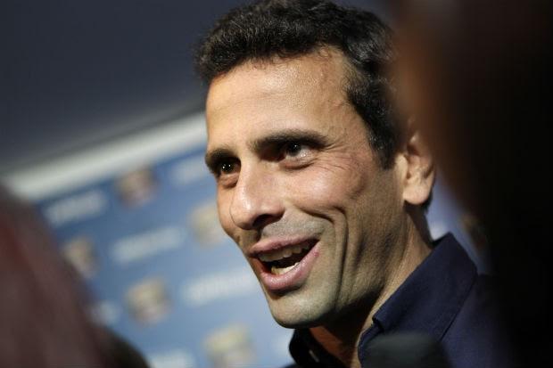 O candidato da oposição, Henrique Capriles (Foto: Ariana Cubillos/AP)