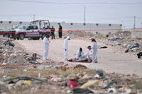 El cadáver de una mujer encontrada en Ciudad Juárez. Foto: Ricardo Ruíz