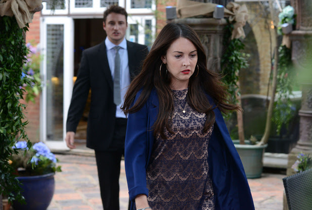 Stacey heads back to Jean's house, determined to find out what the key unlocks