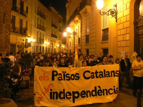 http://barcelona.indymedia.org/usermedia/image/3/large/18_MANI.jpg