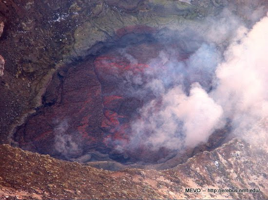 vulcano-erebus-polo-sud-lago-lava-2.jpg