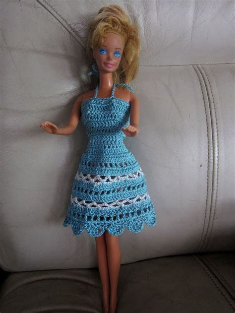 Free Crochet Barbie Dresses   Barbie doll clothes patterns