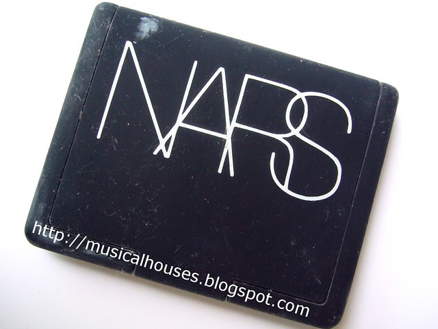 cleaning sticky nars compact after