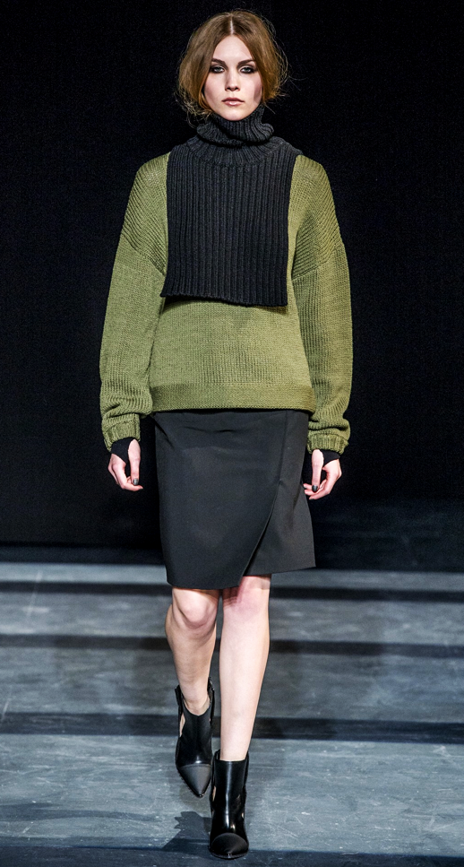 LE FASHION BLOG TIBI FALL WINTER FW 2013 COLLECTION RUNWAY NEW YORK FASHION WEEK NYFW  TURTLENECK CABLEKNIT CONTRAST LAYERED OLIVE GREEN SWEATER SKIRT ANKLE BOOTS POINTY TOE THUMB HOLE COOL