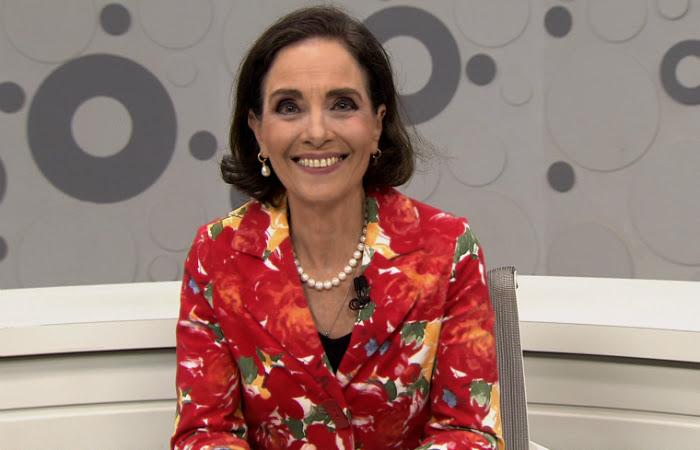O Sem Censura estava sendo apresentado pela jornalista Vera Barroso. Foto: TV Brasil/Divulgação