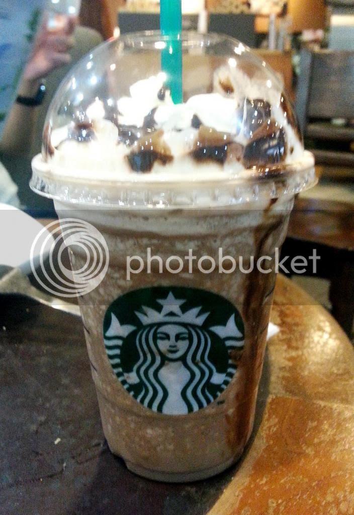 photo StarbucksCoffeeShawCentre02.jpg