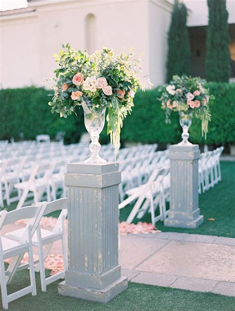 Best 25  Wedding flower arrangements ideas on Pinterest