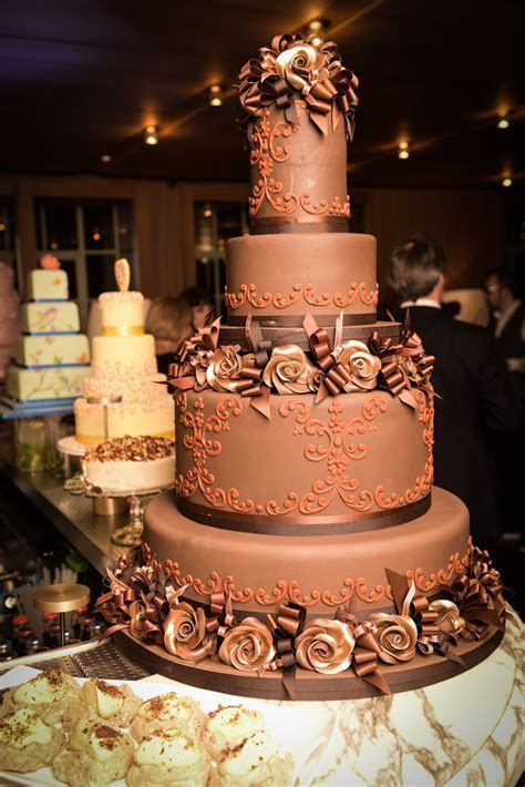9 Most Extravagant And Expensive Celebrity Wedding Cakes