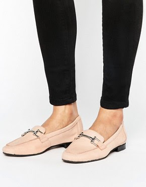 http://www.asos.de/new-look/new-look-leder-loafer-mit-schnalle/prd/7792109?iid=7792109&clr=Hellrosa&cid=4172&pgesize=36&pge=2&totalstyles=219&gridsize=3&gridrow=6&gridcolumn=1