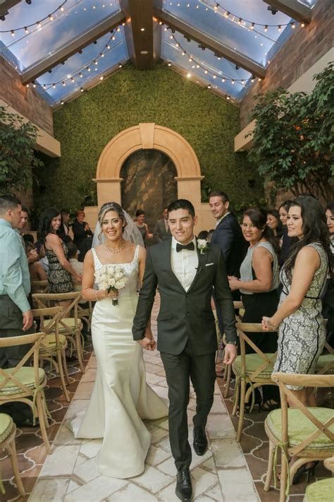 Best 25  Vegas wedding chapels ideas on Pinterest   Las