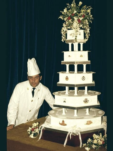 Most expensive Celebrity Weeding cakes ? My Design Week